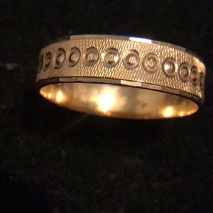 6 Grams 18K Gold men's ring